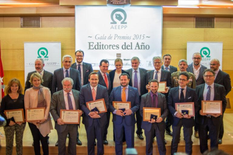 Grupo de los premiados en la X Edición de los Premios AEEPP, celebrados en la sede de la Comunidad de Madrid.